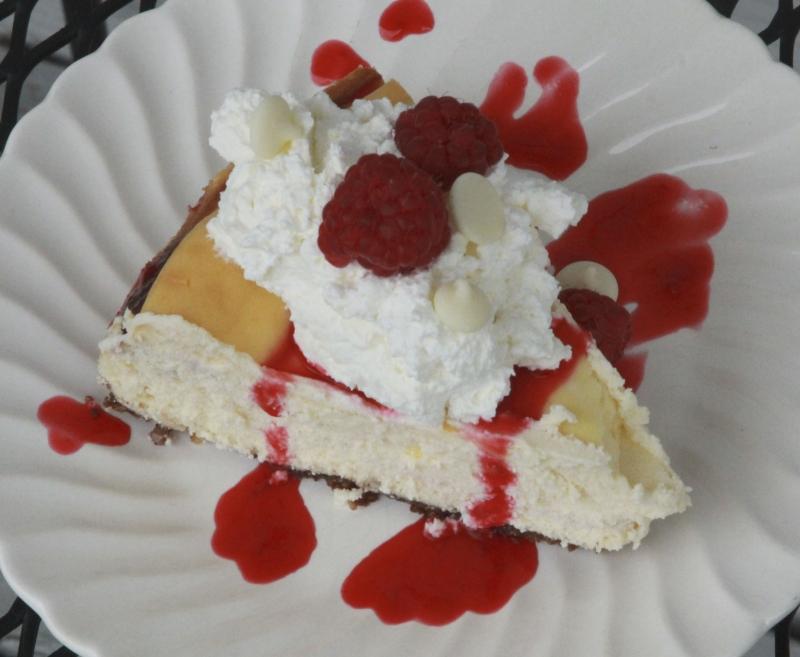 white chocolate raspberry cheesecake1